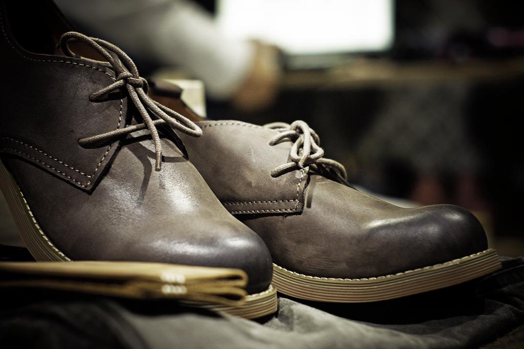 comment bien lacer ses chaussures hommes urban smart style. Black Bedroom Furniture Sets. Home Design Ideas