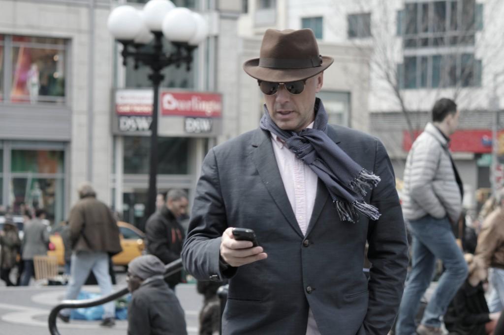 Comment nouer son charpe homme urban smart style Boudins de portes