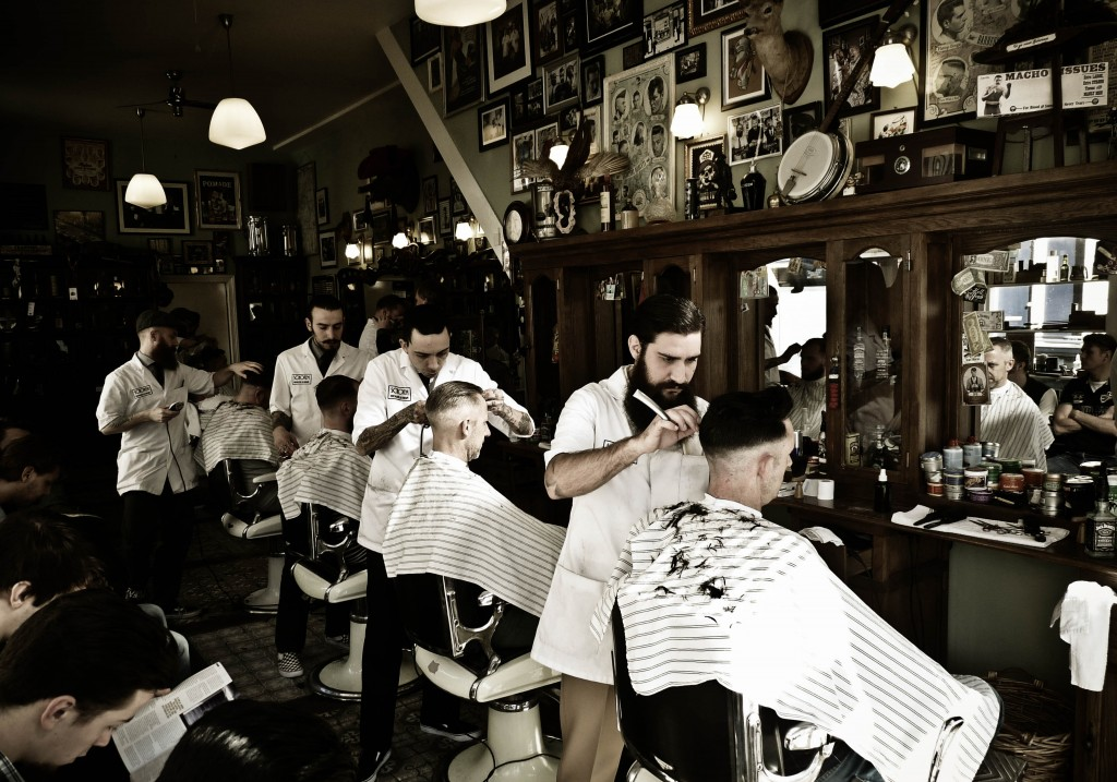 20 conseils de tous poils pour prendre soin des cheveux hommes et entretenir sa barbe urban. Black Bedroom Furniture Sets. Home Design Ideas